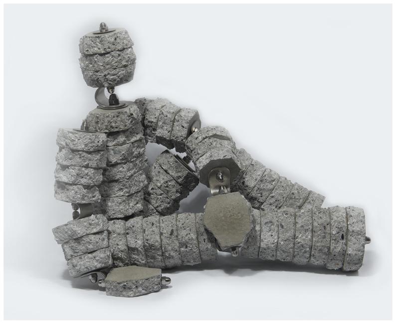Personnage détendu 12<br>(Concrete, stainless steel)
